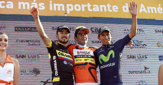 Dani Díaz, entre Contreras y Quintana como vencedor en San Luis. /Pablo Cersosimo