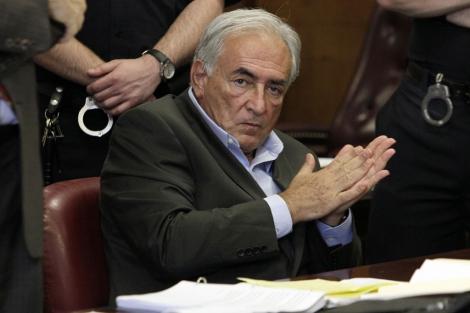 Kahn-Strauss escucha los cargos de los que se le acusa en la Corte de Nueva York. I AP