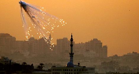 Ataque sobre Gaza. Reuters
