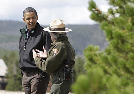 El presidente de EEUU, durante su visita al parque nacional. | AP