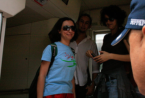 Zineb El Razhoui y Betty Lachgar, portavoces del grupo de que convocó la protesta. |E. C.