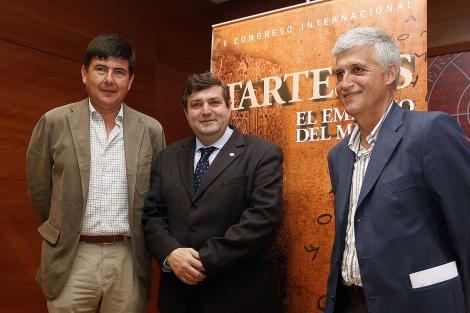 Pimentel, el rector de Huelva y Juan Campo, presentando el congreso. | E. Domínguez