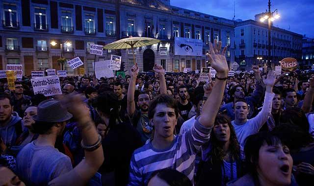Las protestas continúan en Sol por cuarto día consecutivo. | Foto: Javier Barbancho VEA MÁS IMÁGENES