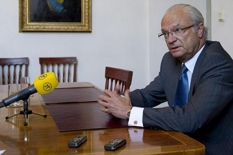 El rey Carlos Gustavo, durante la entrevista. | AFP/Scanpix