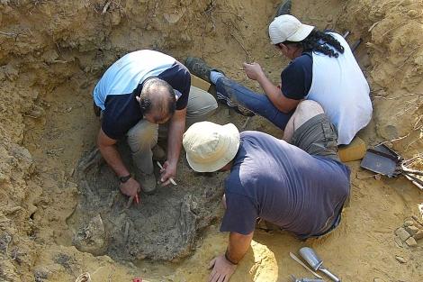 Imagen de una exhumación en la Valdería.