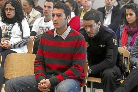 El condenado, en el banquillo de los acusados durante el juicio. | Esther Lobato