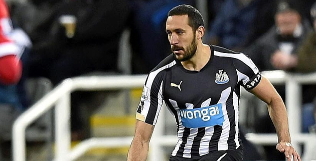 Jonas Gutiérrez durante un encuentro con el Newcastle.