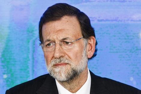 Mariano Rajoy atiende a los medios después de ganar las elecciones generales.   AP
