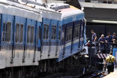 Detalle del tren siniestrado en Buenos Aires en la estación Once.   Efe