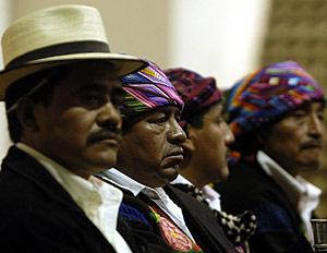 Líderes indígenas en un acto público en Guatemala. (Foto: EFE)