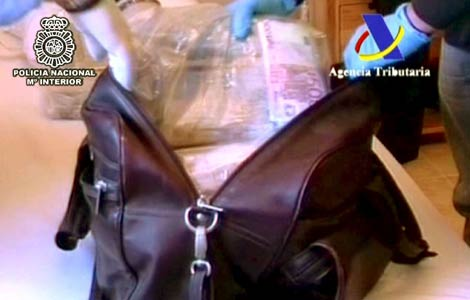 Imagen del dinero en efectivo incautado por la Policía Nacional. | Policía Nacional