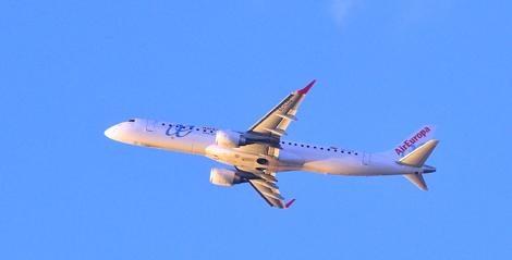 El segundo avión en despegar en Baleares. | Alberto Vera