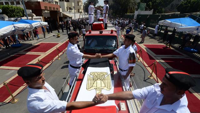Funeral por los soldados fallecidos en los enfrentamientos del miércoles.  Afp