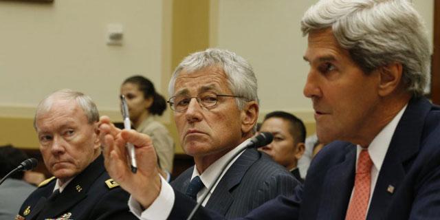 El general Dempsey, Hagel y Kerry, hoy, en la comisión de Exteriores del Senado.   Reuters
