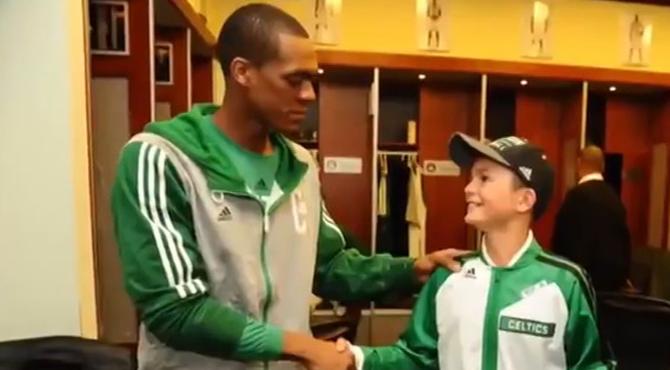 Los Celtics cumplen el sueño de Louis: ver un partido de los 'verdes' antes de quedarse ciego