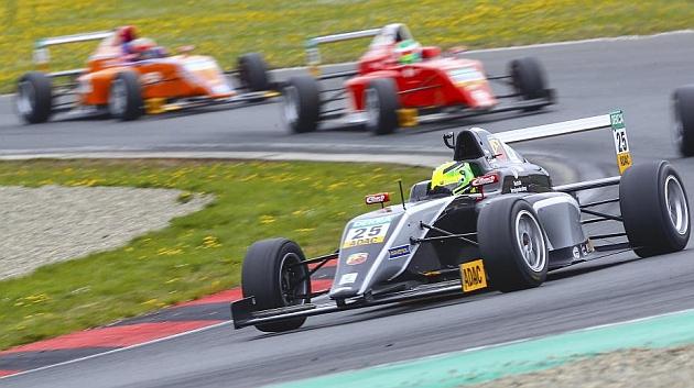 Mick Schumacher ya gana en monoplazas