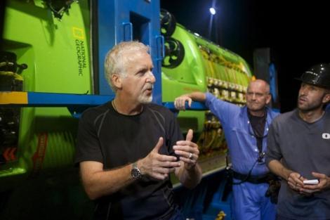 James Cameron, durante la prueba del sumergible 'Deepsea Challenger' en Australia. | Efe