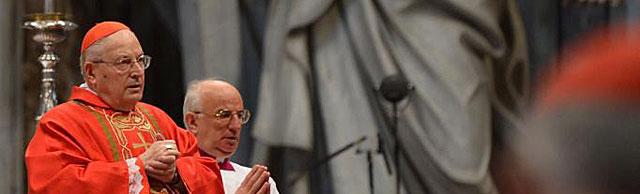El cardenal decano Angelo Sodano en la eucarístia previa al Cónclave. | Afp
