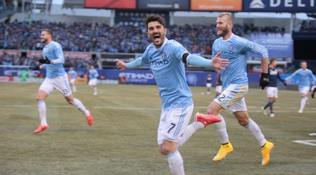 Villa marca el primer gol en el Yankee Stadium