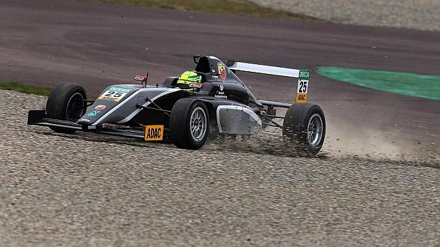 El hijo de Schumacher da el primer paso hacia la Fórmula 1