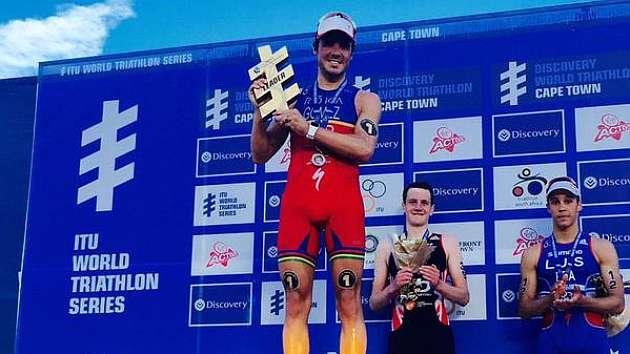 Gómez Noya acaba segundo en Ciudad del Cabo y lidera el Mundial