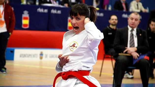 Sandra Sánchez durante una competición