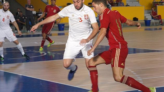 España vuelve a imponerse en el debut de Yerai
