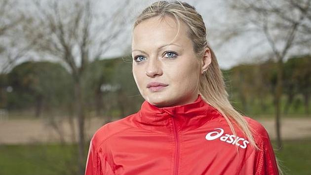 Julia Takacs gana un oro europeo sub-23 tras la descalificación de una rival