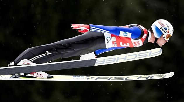 Daniel-Andre Tande durante su gran salto. AFP