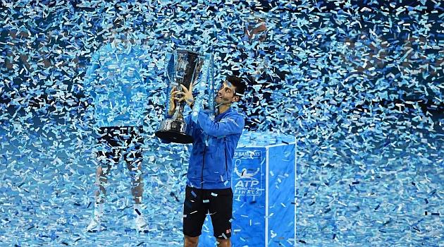 Djokovic celebra su triunfo en Londres. REUTERS