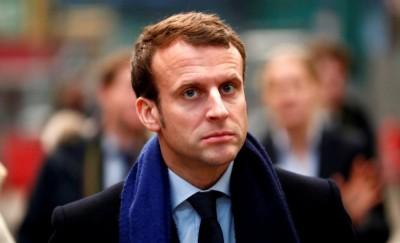 Macron-2-400x243