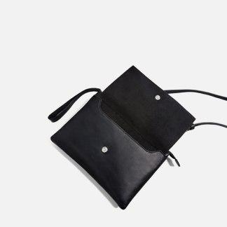 classic-leather-crossbody-bag2