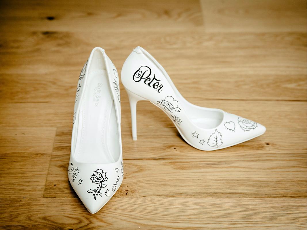 personnalisation chaussures escarpins mariée
