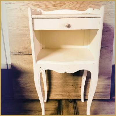 Location meuble chevet blanc