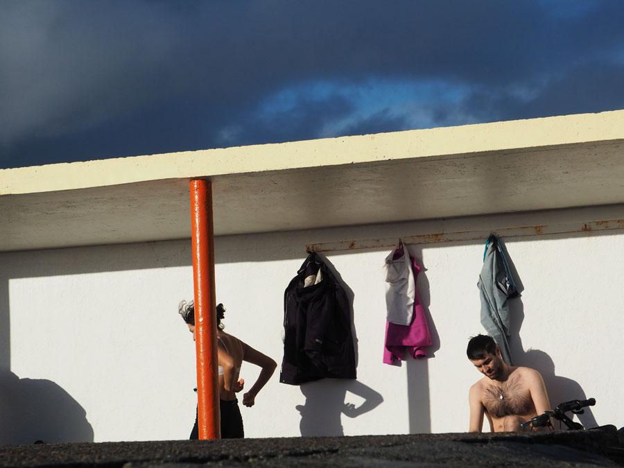 Baigneurs d'hiver sur les plages de Galway