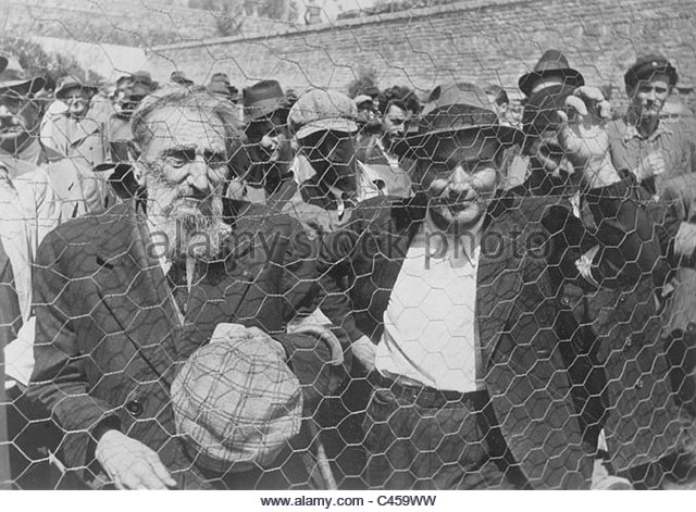 Belgrade Jews must report to the police