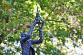L'une des statues sur Liberty Island