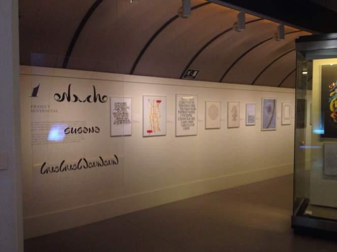 Ambigramas en la expo de la Biblioteca Nacional