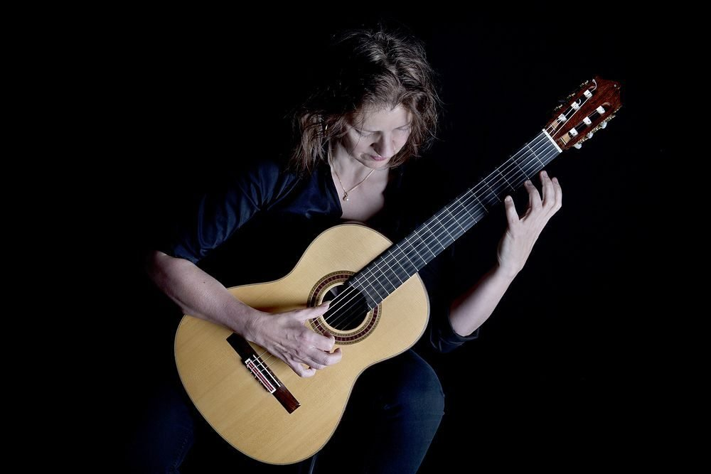 Esther Steenbergen Guitar_Photo_Erik Veld