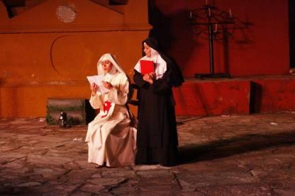 A Don Juan quieren mandarlo al averno, pero un ente sepulcral lo salva.