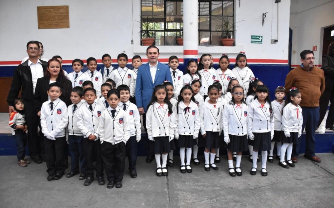 #SonDeDiez: Reconoce Navarro a estudiantes y docentes