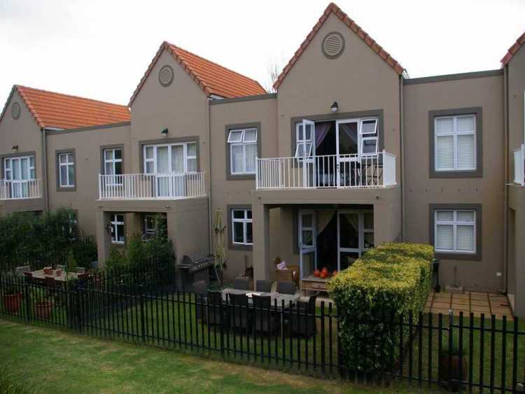 Townhouse in Western Cape, South Africa - Boschenmeer Golf and Country Estate - Backyard