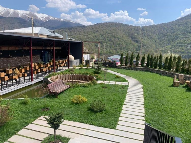 Hover Boutique Hotel and Restaurant Dilijan Railway Sleeper Path (3)