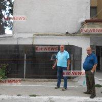 Un bloc întreg din Bârlad, la cheremul unui vecin care se crede pe tarlaua proprie