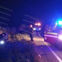 Un tânăr din Bârlad a scăpat cu viață ca prin minune după ce și-a făcut mașina praf în urma coliziunii cu un TIR