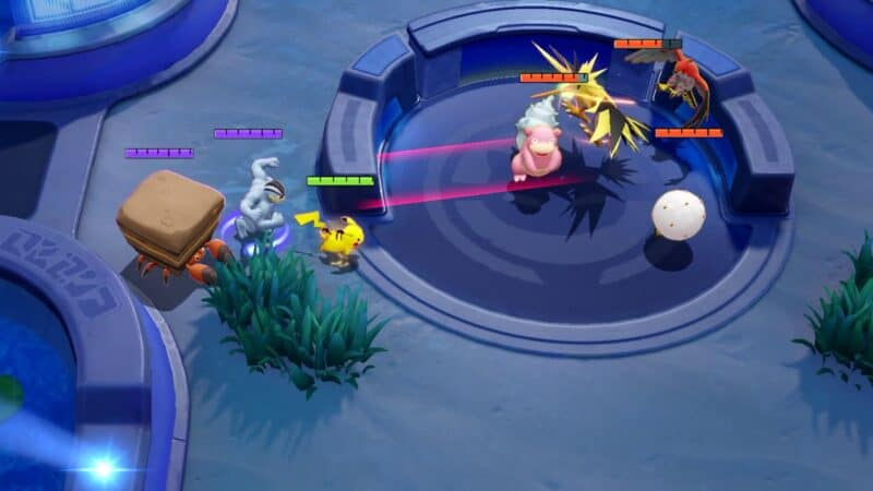 A party make their final moves to take Zapdos during the final moments of a Pokemon Unite match