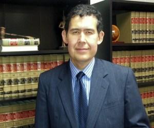 estolano law bookshelf 2