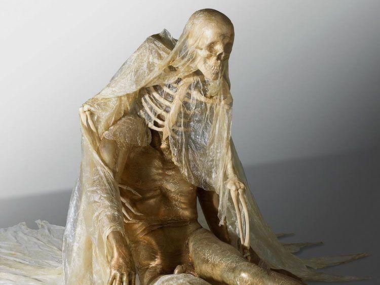 Vida y muerte enfrentadas en las esculturas de Javier Pérez