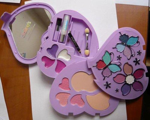 Amianto en un kit de maquillaje infantil de Claire's, Amianto en un kit de maquillaje infantil de Claire's