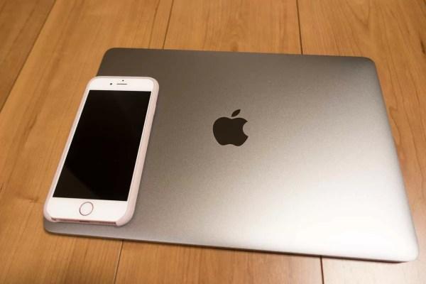 iPhone 6sと並べてみた